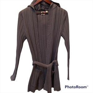 Roxy open front cardigan size M grey with matching belt. 1 small snag in hood